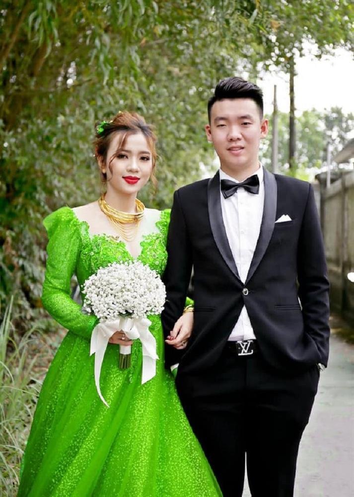 Vợ thích mặc nhiều váy trong ngày cưới nhưng không đủ tiền, anh chồng nghĩ ra cách không thể bá đạo hơn-8