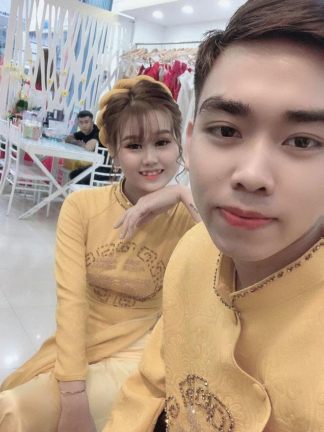 Chàng trai Thanh Hóa làm hội chị em phát cuồng khi chịu đau 24 tiếng xăm hình vợ kín lưng-4