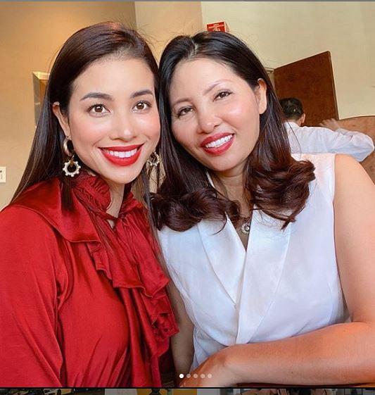 Mẹ Phạm Hương đẹp cỡ nào mà mạnh dạn đặt đầm dạ hội 10 triệu rồi bom hàng-10