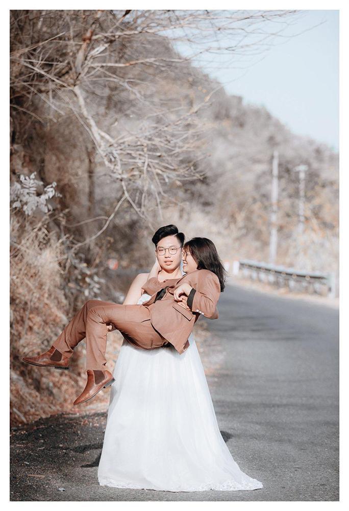 Bộ ảnh chàng mặc váy cưới, nàng mặc vest hoán đổi thân phận sốt mạng xã hội-4
