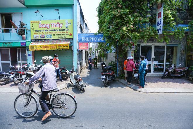 2 người phụ nữ trong con hẻm ở Sài Gòn bị nghi nhiễm Covid-19, cả con hẻm bị phong tỏa-5
