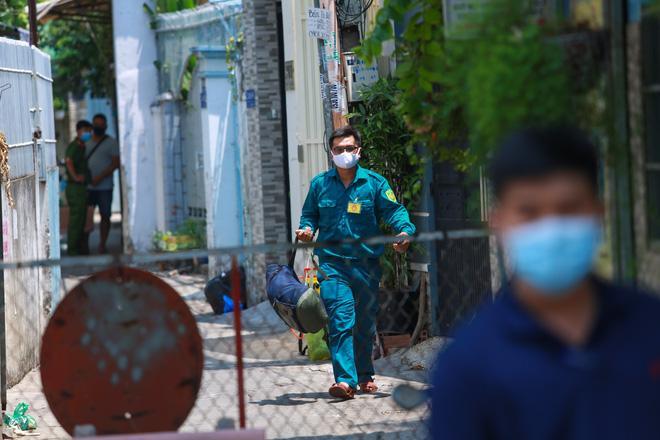 2 người phụ nữ trong con hẻm ở Sài Gòn bị nghi nhiễm Covid-19, cả con hẻm bị phong tỏa-4