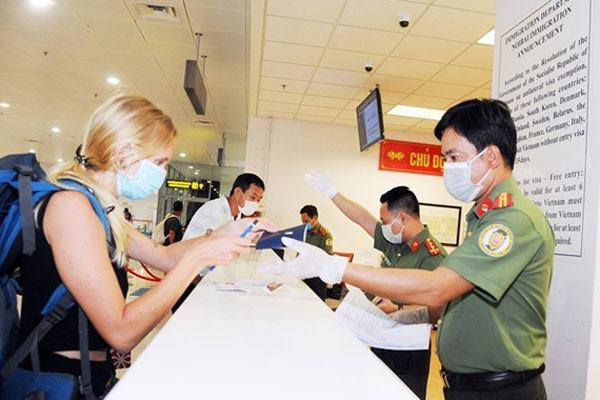 Việt Nam sẽ tạm dừng cấp visa với tất cả du khách trong 15-30 ngày-1