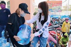 Hari Won trao 1.610 bình nước cho người dân miền Tây giữa hạn mặn khốc liệt
