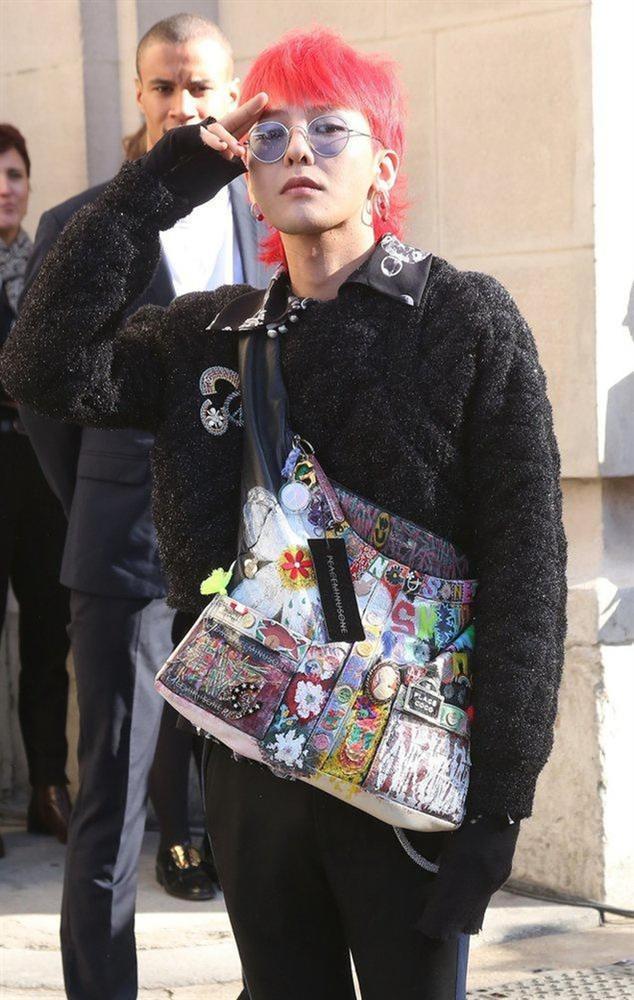 G-Dragon tô màu, vẽ hoa nữ tính lên túi Chanel 3.200 USD-5