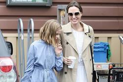 Con gái út Angelina Jolie thừa hưởng nét đẹp của bố mẹ