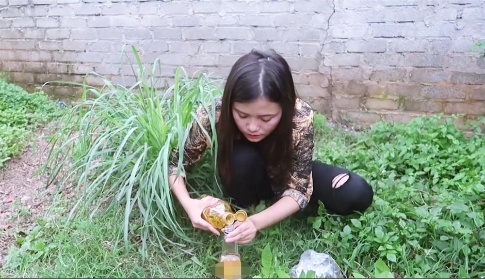 Học đòi theo mẹ và anh trai làm vlog, cô con gái xinh đẹp của bà Tân bị bóc phốt gian dối khán giả-3