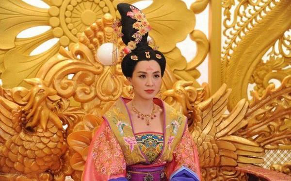 5 diễn viên nổi tiếng của TVB bị liệt vào danh sách mặt đơ-5