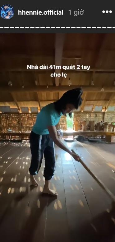 Choáng ngợp với nhà sàn dài 41m ở Đắk Lắk của hoa hậu HHen Niê-5
