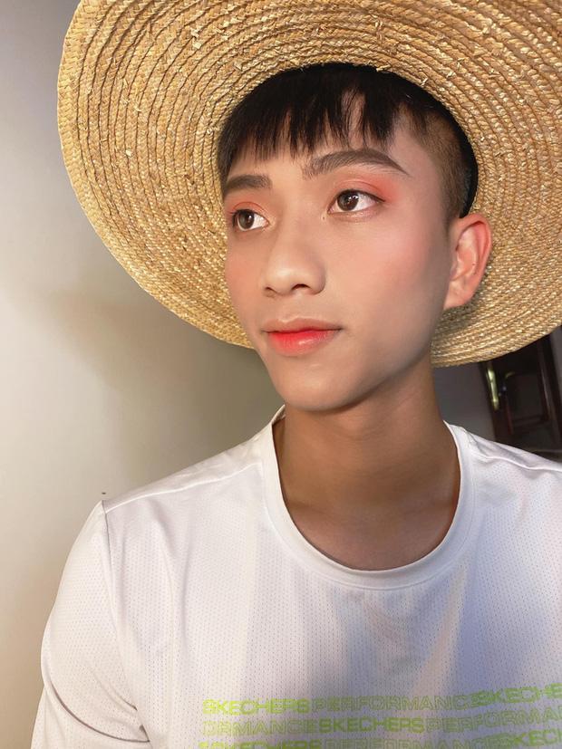 Giải nghỉ vì Covid-19, hội ông bố bỉm sữa tuyển Việt Nam ở nhà chăm con cực khéo-9