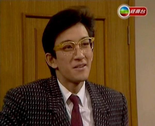 Những tài tử cùng tên Hoa của TVB: người không con cái, kẻ tán gia bại sản-16