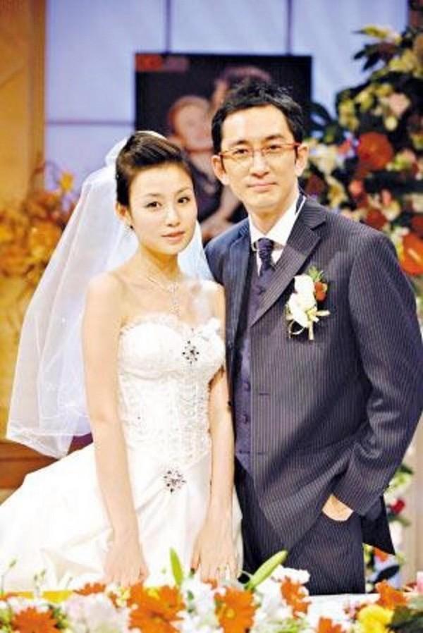 Nam thần TVB một thời lừng lẫy: Thân bại danh liệt vì mua dâm, nướng sạch gia tài vào cờ bạc-5