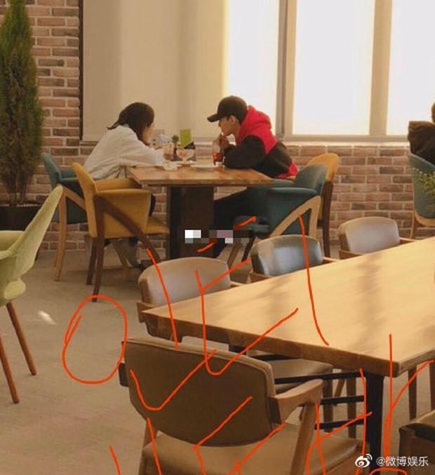 Rầm rộ tin đồn bà xã Chen (EXO) đã hạ sinh con đầu lòng, fan Trung nhất loạt đòi đuổi nam ca sĩ ra khỏi nhóm?-3