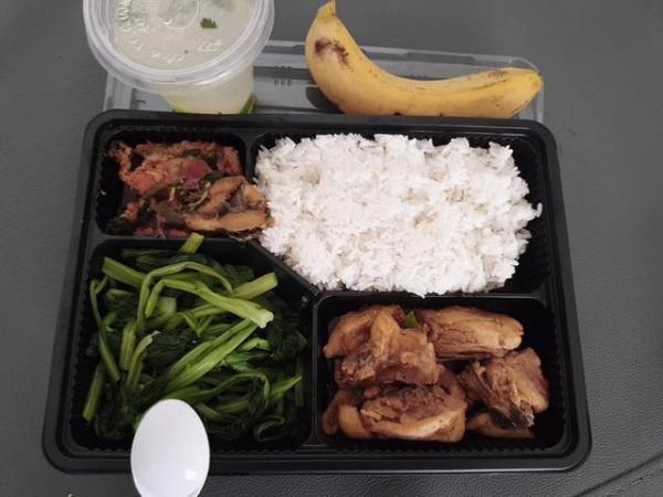 Sao Việt đánh giá thế nào về khẩu phần ăn được cấp trong khu cách ly tập trung?-10