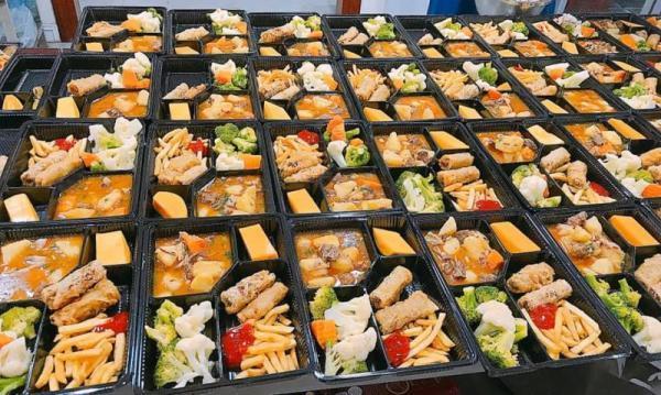 Sao Việt đánh giá thế nào về khẩu phần ăn được cấp trong khu cách ly tập trung?-15