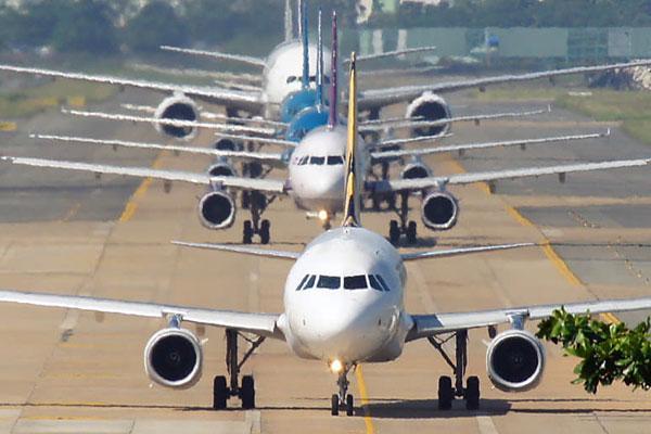 Thông báo khẩn: Bộ Y tế tìm hành khách dương tính Covid-19 trên 2 chuyến bay đến TP.HCM-1