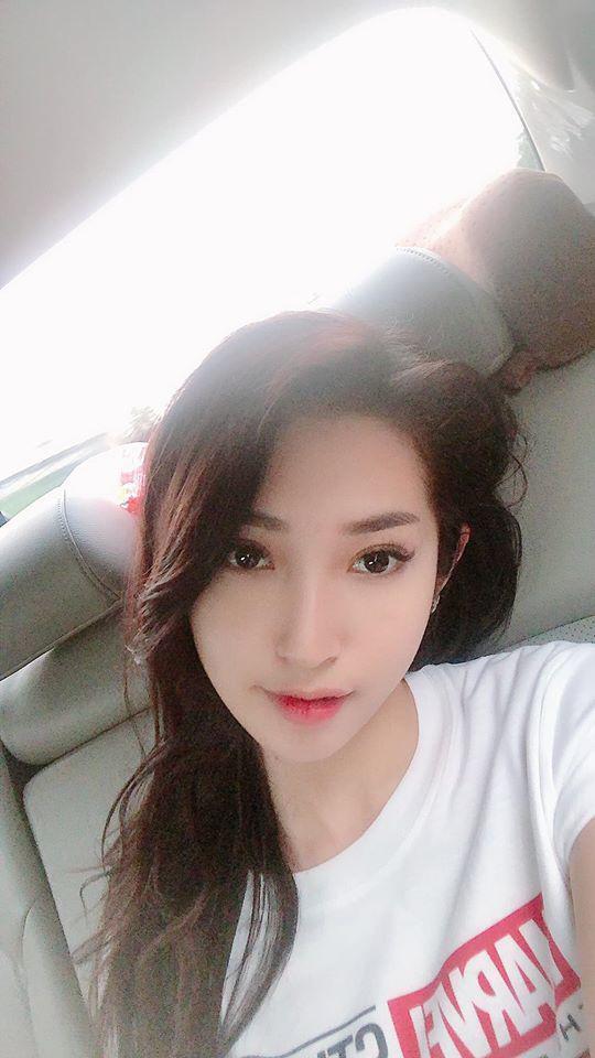 Lâu lâu mới khoe hình selfie, Khổng Tú Quỳnh bị nhận xét trang điểm quá đà, thiếu tự nhiên-11