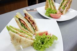 Bữa ăn nhanh gọn với 3 cách biến tấu bánh mì sandwich