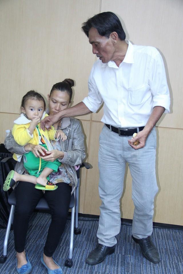 Thương Tín U70 lấy vợ kém 32 tuổi, ông hoàng màn ảnh sống chật vật-4