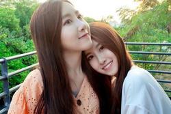 'Cặp chị em song sinh đẹp nhất Đài Loan' khoe khả năng vũ đạo