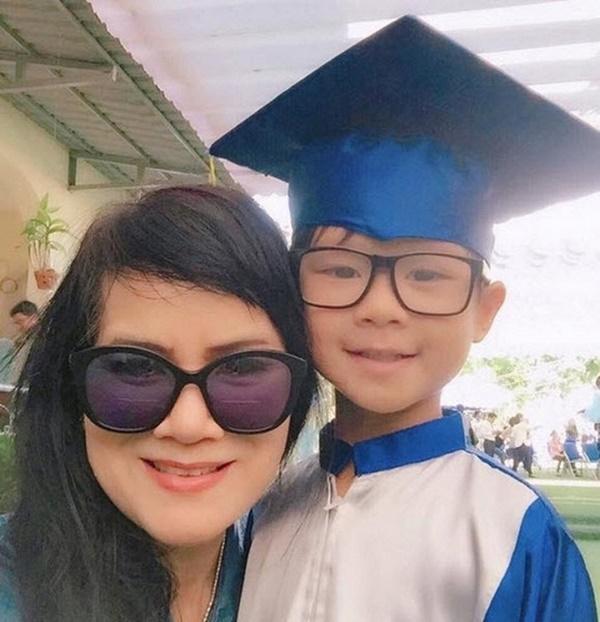 Mẹ vợ U60 cực trẻ đẹp ít ai biết của ca sĩ Lý Hải, chỉ hơn con rể đúng 10 tuổi-5