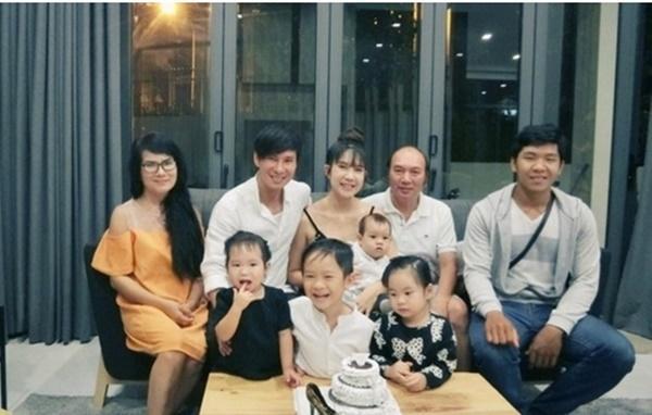 Mẹ vợ U60 cực trẻ đẹp ít ai biết của ca sĩ Lý Hải, chỉ hơn con rể đúng 10 tuổi-7