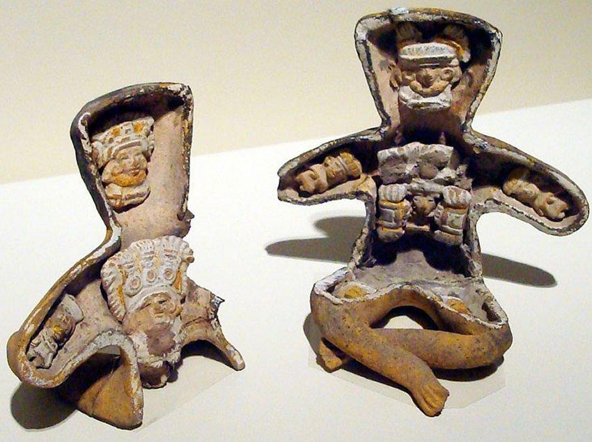 Kỳ bí những bức tượng người rỗng bụng tại thành phố của các vị thần-2
