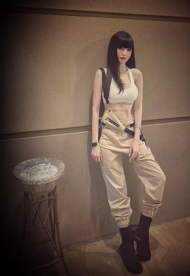 Đâu cần phải mặc nội y, Elly Trần cũng có chiêu diện đồ khoe vóc dáng đẹp như tạc-11