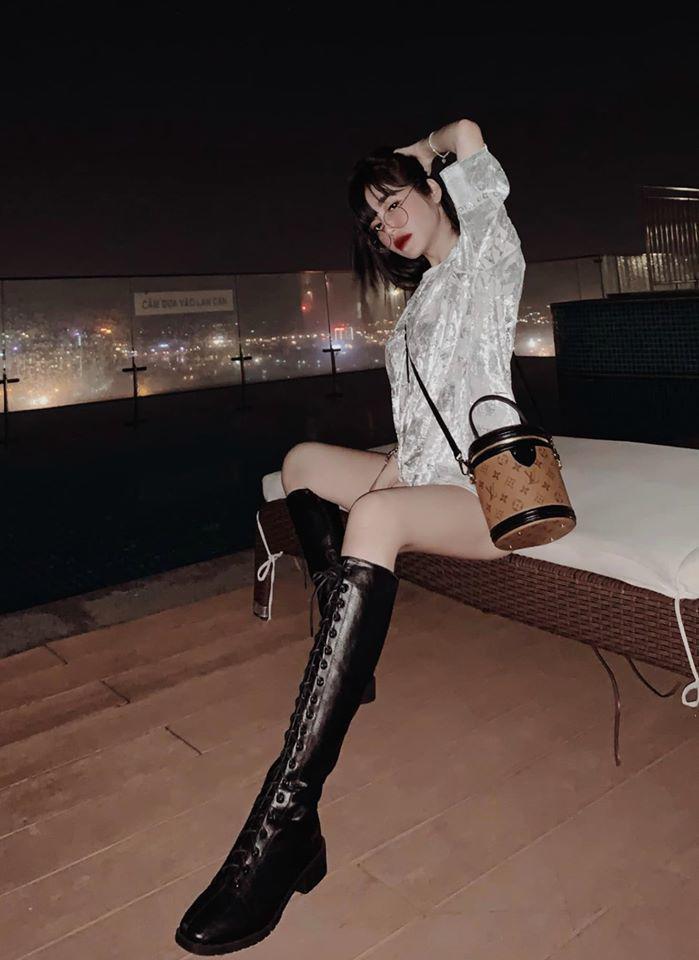 Đâu cần phải mặc nội y, Elly Trần cũng có chiêu diện đồ khoe vóc dáng đẹp như tạc-12