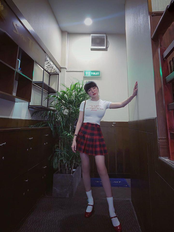 Đâu cần phải mặc nội y, Elly Trần cũng có chiêu diện đồ khoe vóc dáng đẹp như tạc-4