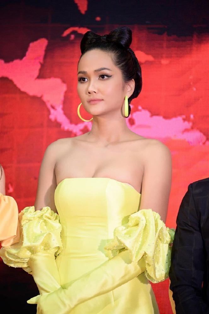 Hoa hậu HHen Niê lên tiếng khi bị hỏi chuyện độn cằm-2