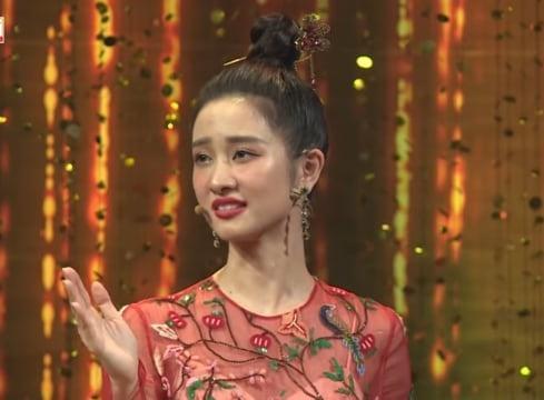 Nam Em tái phạm lỗi trang điểm cách đây 1 năm - Jun Vũ như bà cô già vì son phấn-3