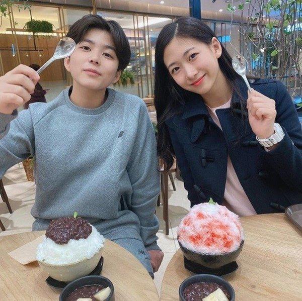 Sau 10 năm không gặp, 2 sao nhí nổi tiếng nhất Hàn Quốc một thời giờ lột xác ngoạn mục-2