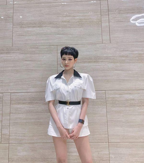 Hết diện đồ khoét ngực, Hiền Hồ lại chọn áo ngắn cũn, tiếp tục thử sức phong cách gợi cảm-15