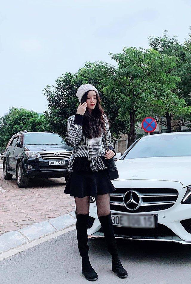 Nhan sắc kiêu sa, em gái Mai Phương Thuý chỉ mặc tối giản suốt 365 ngày vẫn đẹp và sang-8