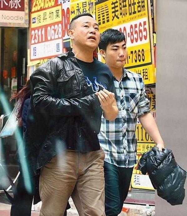 Nam thần TVB một thời lừng lẫy: công khai là người đồng tính, tuổi già chật vật kiếm sống-5