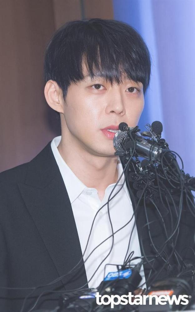 Từ idol thuần khiết đến kẻ tội đồ Kbiz, Park Yoochun (JYJ) giả dối như thế đó!-3