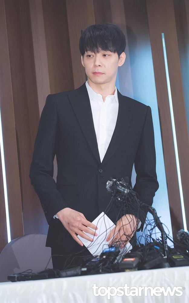 Từ idol thuần khiết đến kẻ tội đồ Kbiz, Park Yoochun (JYJ) giả dối như thế đó!-4