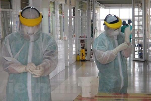 Bệnh nhân 133 điều trị ở khoa Cấp cứu thần kinh Bệnh viện Bạch Mai lây nhiễm Covid-19 từ nguồn nào?-1