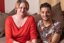 Để mẹ gặp cậu bạn thân, con trai choáng váng khi 2 tháng sau có bố dượng mới