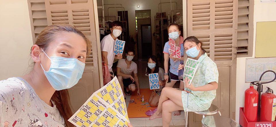 Võ Hoàng Yến và hội chị em cách ly tái chế đồ vô dụng thành vật hữu ích bất ngờ-13