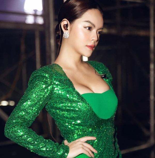 Phạm Quỳnh Anh nghiện mốt tôn vòng một sau ly hôn-7