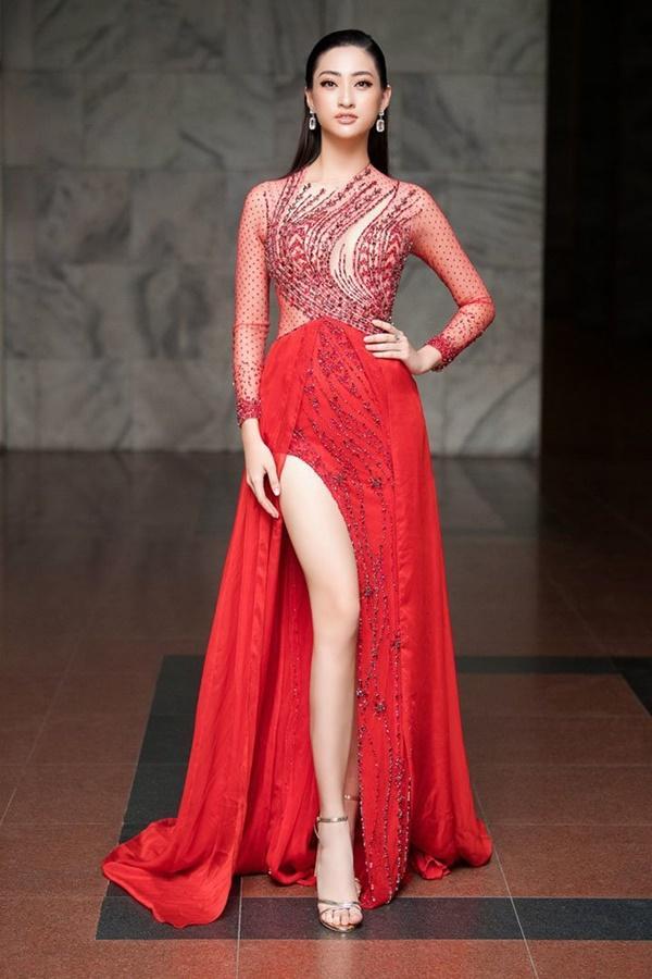 Nửa năm đăng quang, gia tài hàng hiệu của Lương Thùy Linh chỉ là 3 đôi hoa tai Dior cũ-1