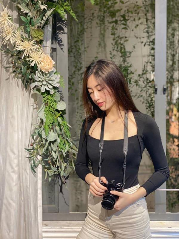 Nửa năm đăng quang, gia tài hàng hiệu của Lương Thùy Linh chỉ là 3 đôi hoa tai Dior cũ-6