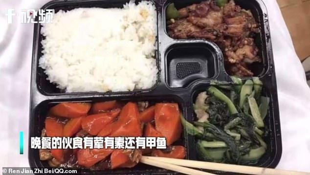 Dân mạng thế giới khoe bữa ăn đầy đủ trong khu cách ly-2
