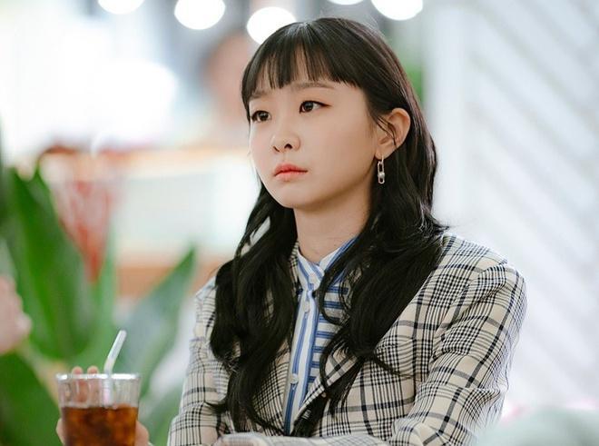 Fan phát hiện Kim Da Mi nhiều lần mặc đồ giống Son Ye Jin-1