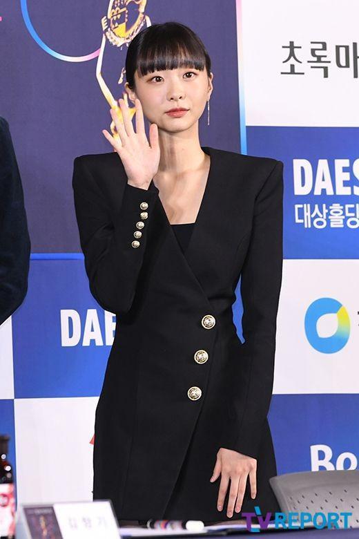 Fan phát hiện Kim Da Mi nhiều lần mặc đồ giống Son Ye Jin-6