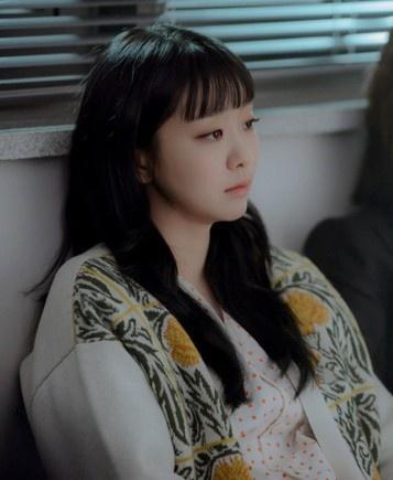 Fan phát hiện Kim Da Mi nhiều lần mặc đồ giống Son Ye Jin-8