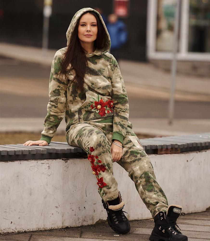 Bản tin Hoa hậu Hoàn vũ 26/3: Mỹ nam Việt duy nhất có vinh dự sánh đôi Catriona Gray là ai?-4