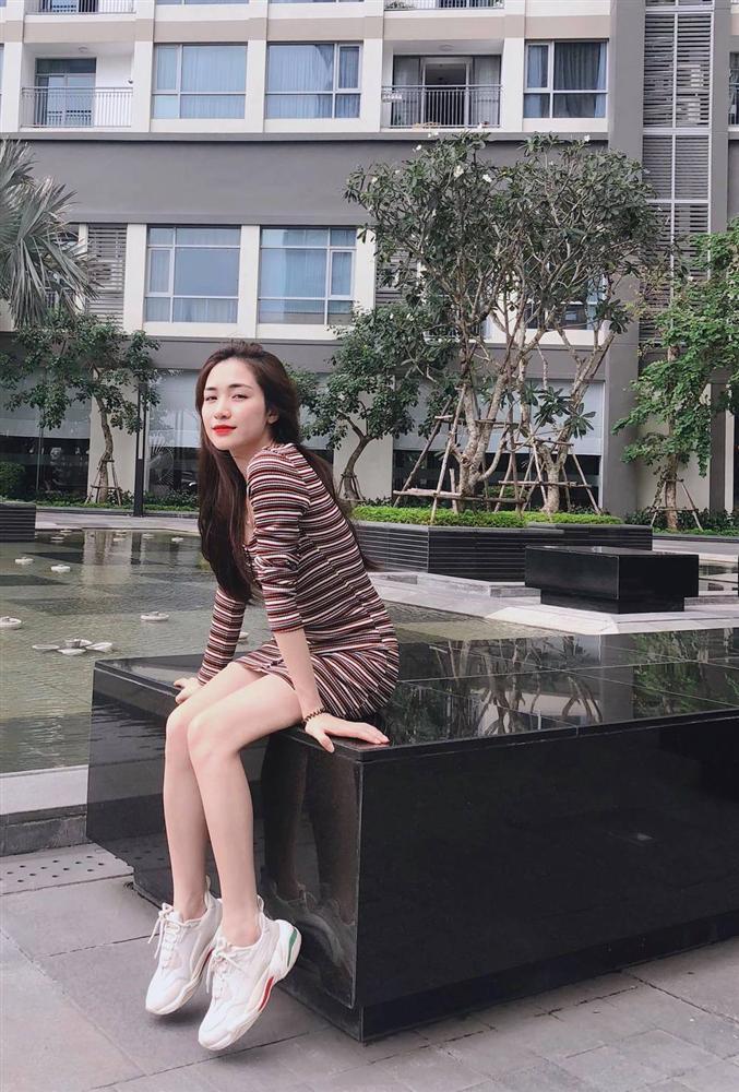 Đã ế show lại còn không bán được bất động sản, Hòa Minzy quyết định dùng đất trồng rau-1